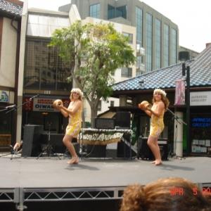 Island Dancers 3